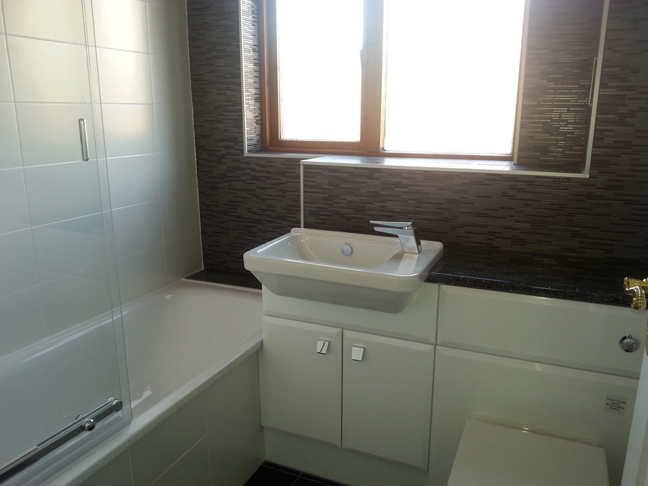 Ensuite & Main Bathroom